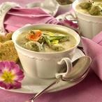 Krupičková polévka s knedlíčky