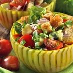 Rajčata s krutony a bazalkou
