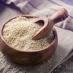 Quinoa s tvarohem a mákem