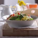 Těstovinový salát s uzenou makrelou