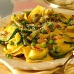 Těstoviny se špekem a zeleninou