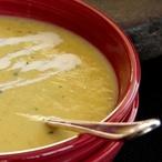 Studená mangová polévka