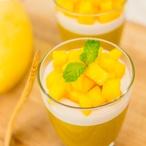 Mangová panna cotta
