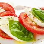 Insalata Caprese - rajčata smozzarellou abazalkou