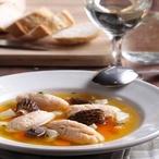 Polévka sknedlíčky zuzeného lososa