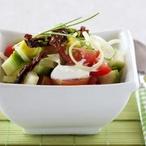 Zeleninový salát se sušenými rajčaty