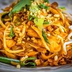 Thajské nudle s kuřetem a zeleninou