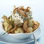 Jemné bramborové knedlíčky s pepřovým tvarohem