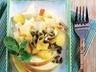 Salát z ananasu, jablek a semínek