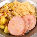 Uzené, zelí a brambory