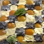 Šachovnicový koláč s ovocem