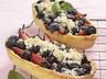 Lodičky s borůvkami a jahodami