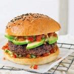 Burger s ostrou salsou