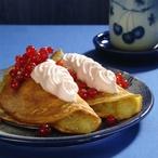 Jemné palačinky s jablky a rybízovým sněhem