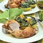 Pečené kuře s brambory plněnými špenátem