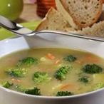 Brokolicová polévka s kabanosem