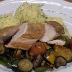Filírované kuřecí prso s restovanou zeleninou