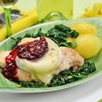 Kuřecí prsíčka s plísňovým sýrem a brusinkami