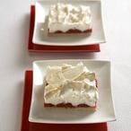Sněhový koláč s jahodami