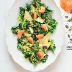 Špenátový salát s lososem