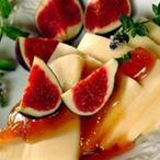 Fíky s medem a sýrem