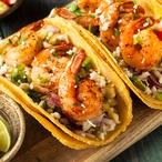 Tacos s krevetami a salátem