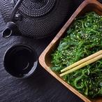 Salát z řas wakame