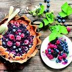Koláč s lesním ovocem