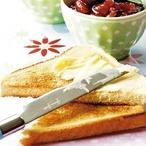 Toasty s višňovým džemem