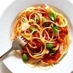 Špagety s rajčaty a sépiemi