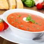 Tomatová polévka s bazalkou