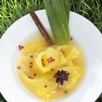 Marinovaný ananas s červeným pepřem