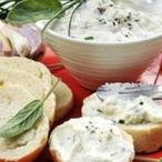 Pikantní sýrový krém s česnekem