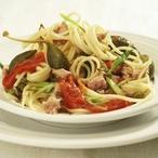 Špagety s tuňákem a kapary