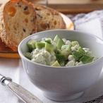 Cereální houska s olivovým tvarohem