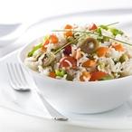 Rýžový salát s avokádem a výhonky vojtěšky I