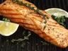 Grilovaný losos scitronovým máslem