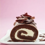 Čokoládová roláda plněná tvarohem