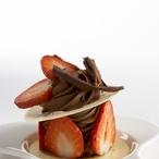 Čokoládové věžičky s jahodami