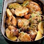 Pečené kuřecí kousky na česneku