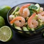 Pikantní krevety s okurkovým salátem