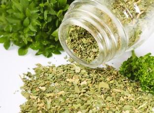 Sušené bylinky - jak zvýraznit jejich chuť