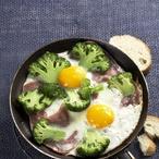 Šunka s vejci a brokolicí