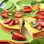 Tvarohový koláč s jahodami a kiwi