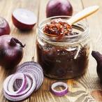 Cibulový džem s černým pepřem