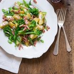 Bramborový salát s fazolkami a brokolicí
