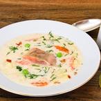 Lososová polévka s koprem