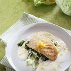 """Hlávkový """"špenát"""" s grilovanou bílou rybou"""