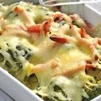 Brokolice zapečená se sýrem a šunkou