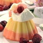 Pudinkové kopečky s ovocem a zmrzlinou